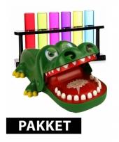 Bijtende krokodil spel plus 6 gekleurde shotglaasjes trend