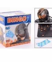 Bingo spel met molen en bingokaarten trend