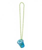 Blauw shotglas met een ketting hawaii thema trend