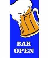 Blauwe bier vlag bar open trend