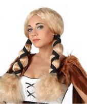 Blonde feestpruiken met staartjes trend