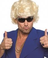 Blonde pruik voor mannen trend