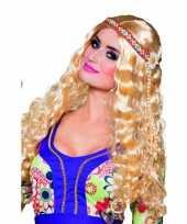 Blonde zestigerjaren pruik krullen trend