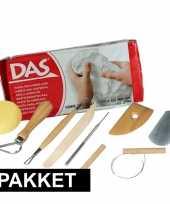 Boetseer basis pakket met witte klei en gereedschap trend