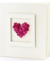 Bruiloft gastenboek met fuchsia hart 20 5 cm trend
