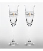 Bruiloft proost glazen met roosjes trend