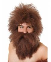 Bruin rode ruige baard met pruik trend