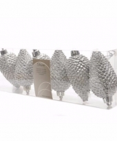 Christmas silver glitter zilveren dennenappel hangdecoratie trend