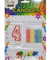 Cijfer kaarsen rood nummer 4 trend