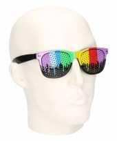 Clubmaster zonnebril in regenboog kleuren trend