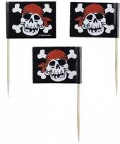 Cocktail prikkers met piraat doodshoofd trend