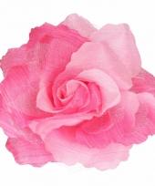 Corsage roze bloem trend