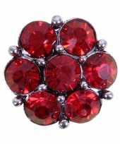 Drukknoop rode steentjes voor chunk sieraad 1 8 cm trend