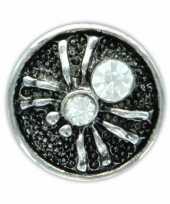 Drukknoop wit spinnetje voor chunk sieraad 1 8 cm trend