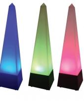 Gekleurd sfeerlicht in pyramide vorm trend