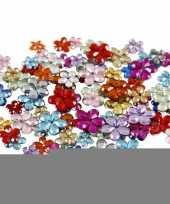 Gekleurde diamanten stenen bloem trend