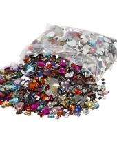 Gekleurde diamanten stenen hart trend
