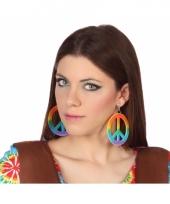 Gekleurde hippie oorbelletjes trend