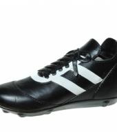 Geld spaarpot voetbalschoen trend
