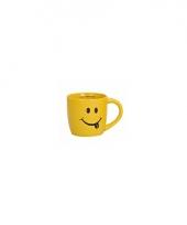 Gele koffie beker met smiley type 1 trend