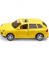 Gele porsche cayenne speelgoed auto trend