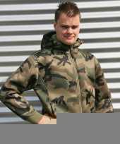 Groen camouflage vest trend