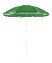 Groene strand parasol trend