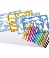 Groot kleurpakket met potloden en sjablonen trend