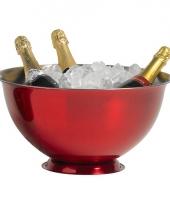 Grote rode champagne emmer op voet trend