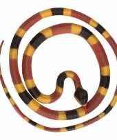 Grote rubberen speelgoed python slangen bruin geel 137 cm trend