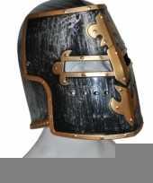 Helm middeleeuws zwart en goud trend