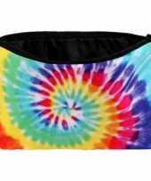 Hippie schooletui tie dye print trend
