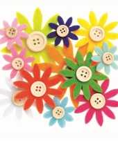 Hobby vilt 12 gekleurde vilten bloemen met knoop 3 5 7 cm trend