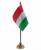 Hongarije tafelvlaggetje 10 x 15 cm met standaard trend