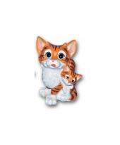 Kat met kitten bruin zittend van polystone 18 cm trend