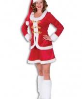 Kerst outfit voor dames rood fluweel trend