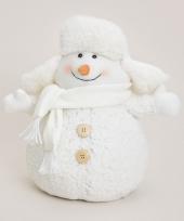 Kerst witte sneeuwpop met bontmuts trend