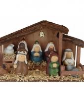 Kerststal versiering met 10 figuren trend