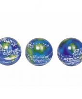 Kinder stuiterbal met planeet aarde trend