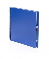 Kinder teken schets boek blauw met pen trend