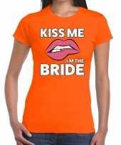 Kiss me i am the bride t-shirt oranje dames trend
