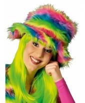 Kleurrijke neon pluche hoed trend
