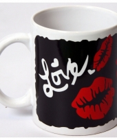 Koffiekopje met kusjes i love you trend