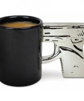 Koffiemok in de vorm van een pistool trend