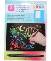 Kras tekening krasfolie regenboog kleuren dinosaurus trend