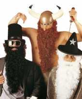 Lange zwarte baard met snor trend