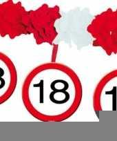 Leeftijd slingers 18 jaar trend