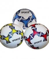 Lichte rubberen voetbal zwart wit trend