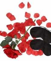 Liefdes verassingspakket zwarte maskers trend