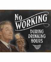 Metalen plaat drinking hours trend
